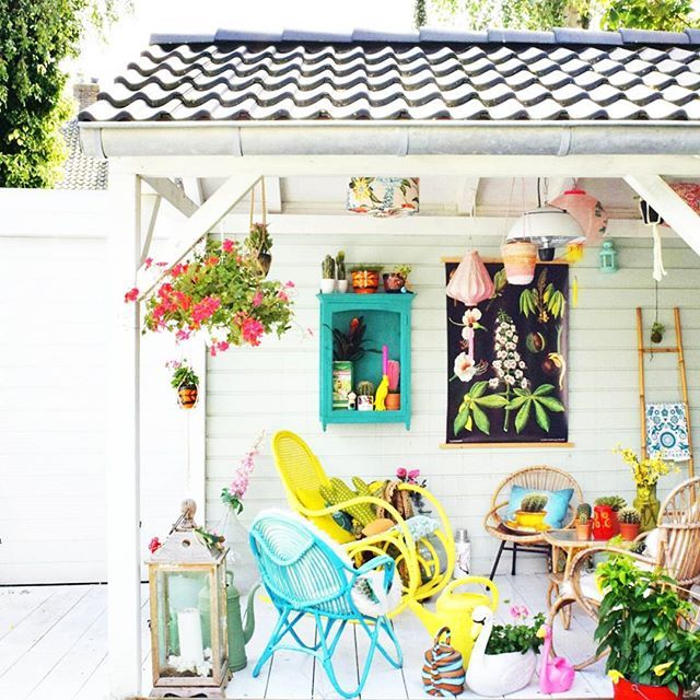 The gourgeous porch of ceramist Corine. A @hipaholic House Tour on Hip&Hot!