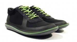 Zapatos deportivos para hombre Camper Beetle  Zapatos deportivos para hombre modelo k300126 Beetle de Camper. Sneakers Extraligeros realizados en tejido técnico combinando negro y verde lima. Suela de goma ligera como una pluma Extralight. Interiores en tejido. Muy flexible. http://ift.tt/2gFmdF7