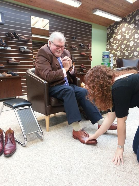 We recently welcomed BBC sports commentator Jim Neilly into our showroom, Jim purchased a pair of bespoke boots, that were specially made for him. http://www.robinsonsshoes.com/bespoke-shoes