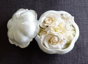 陶器のリングピロー(ホワイト)