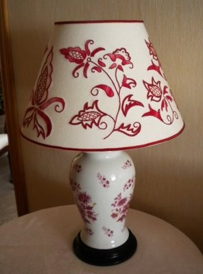 Majorcan embroidery: lampshade