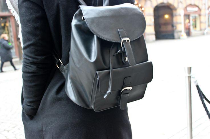 #Backpack #black #fashion #lifestyle #Anothamista #streetstyle #Gothenburg #GothenburgStyle