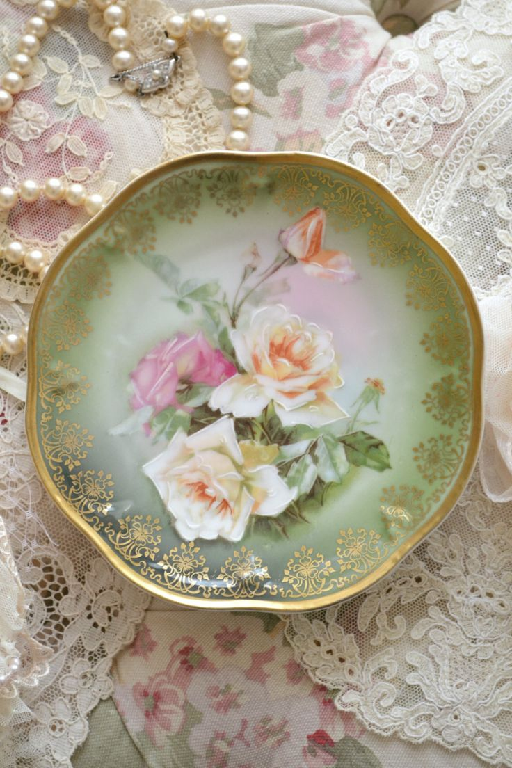 Small Decorative Plates 17 Best Ideas About Victorian Dinner Plates On Pinterest