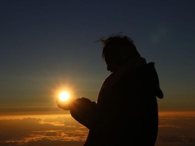 雲の上の感動ご来光!ハワイ島マウナケア山頂で見る朝日 (トラベルjp<たびねす>) - LINEアカウントメディア