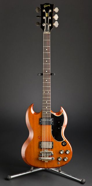 1964 Gibson EB-6 baritone (via James Hoy) - Now THAT is a mean machine!