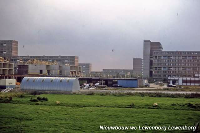 Bouw Winkelcentrum Lewenborg ca 1977