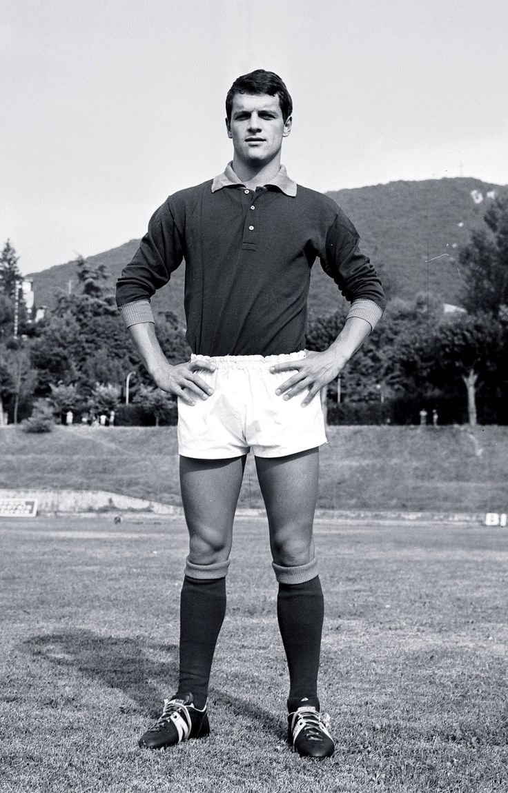 In 1967, Capello moved to AS Roma, his first move to a big club. Immediately, he had a huge impact on the fortunes of the Roman club, helping the team to first place after 8 games in the season. Capello had a keen eye for goal as well, scoring the winner in an epic 10-9 win over rivals Juventus.  His injury, to the left knee, came back and Capello was out for the remainder of the season. Under Herrera, Capello excelled, he scored six goals as Roma went on to win the Coppa Italia title.