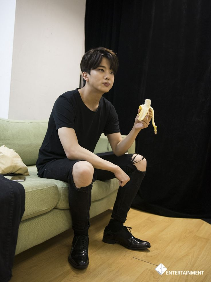 Youngjae looks so good even just eating a banana || for more kpop, follow @helloexo
