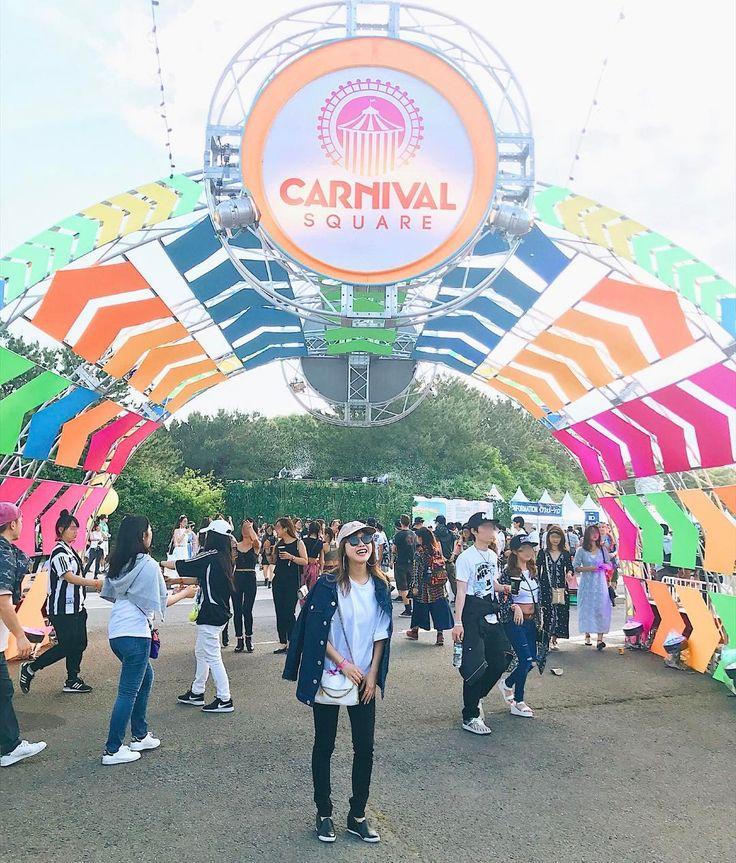 Raving in Japan with the Electric Daisy Festival (@tanakaofficial) op Instagram: '昨日は午後から友達とEDCへ! 会場がカーニバルみたいに装飾されてたり、サーカスみたいな人がいたりと超ハッピーな空間❤️…'