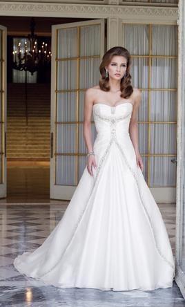 New With Tags Sophia Tolli Wedding Dress Size 12 pretty