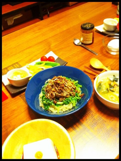 高野山の胡麻豆腐 - 4件のもぐもぐ - 肉味噌こんにゃく麺、中華スープ、スティックサラダ、胡麻豆腐 by chirarhythm