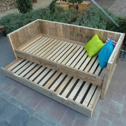 die besten 25 bedbank ideen auf pinterest bettbank schlafzimmer b nke und bank f r schlafzimmer. Black Bedroom Furniture Sets. Home Design Ideas