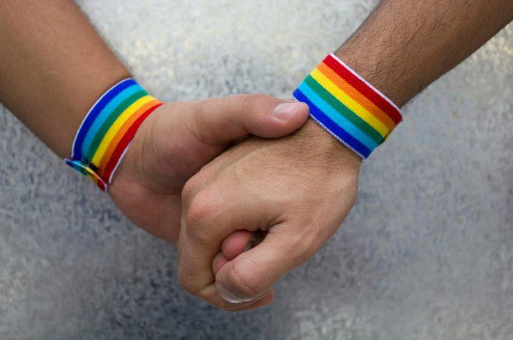 Michigan Mulls Update To Gay DiscriminationLaw - CBS Detroit