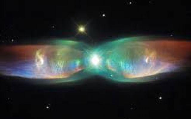 ..Farfalla cosmica ripresa dal telescopio Hubble.Spettacolare.. ...Arriva dal telescopio spaziale Hubble l'ultima immagine straordinaria  della nebulosa M2-9 comunemente chiamata Nebulosa Farfalla.Questo splendido evento avviene dal litigioso atto finale di una c #spazio