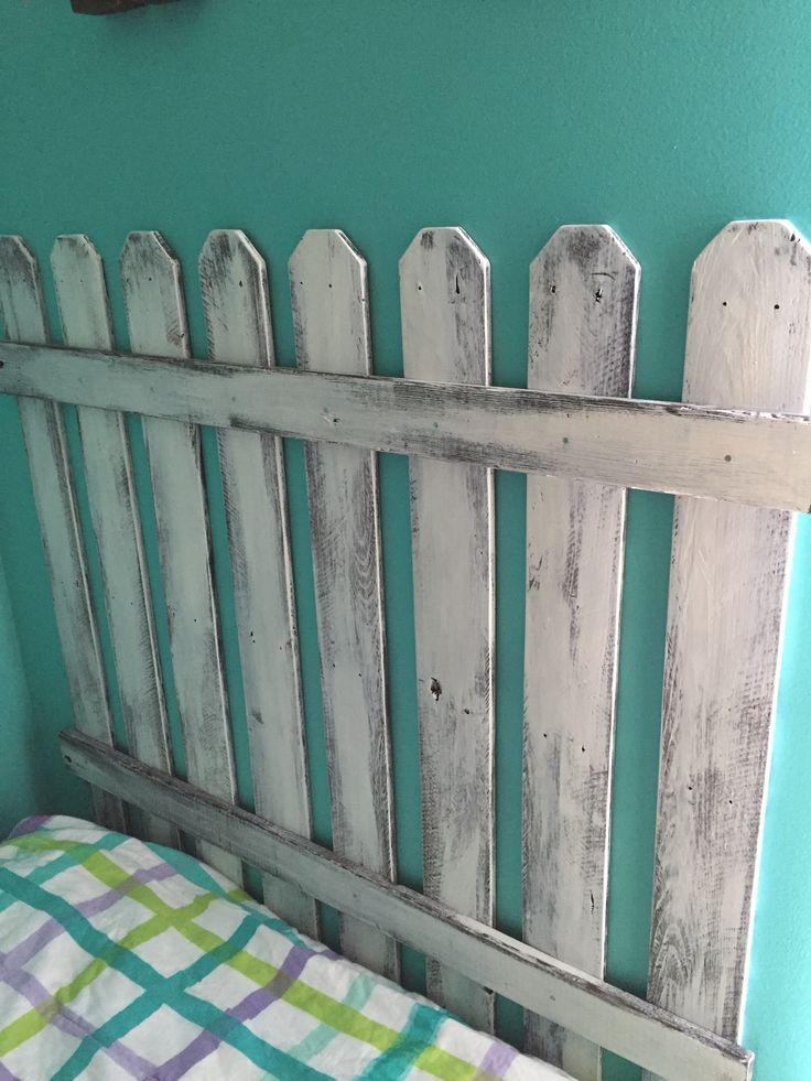 Picket fence pallet headboard