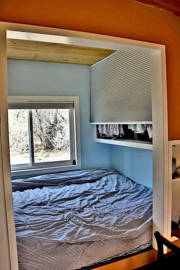 Man Builds 200 Sq. Ft. Solar Off Grid Tiny House one level house.......no ladder to loft!