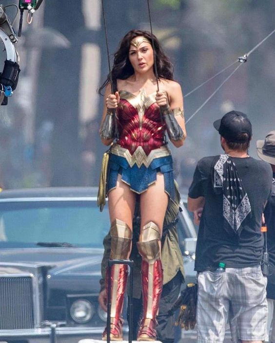 Wonder Woman 1984 Dccomics Wonderwoman In 2020 Gal Gadot Wonder Woman Wonder Woman Cosplay Wonder Woman Movie