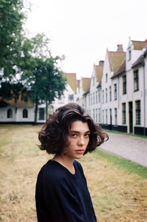 One must perfect the balance between moody and curly as if being filmed by Serge Gainsburg himself.