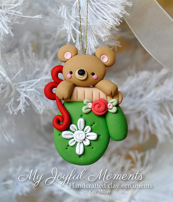 Handcrafted Polymer Clay Bear in a Mitten par MyJoyfulMoments