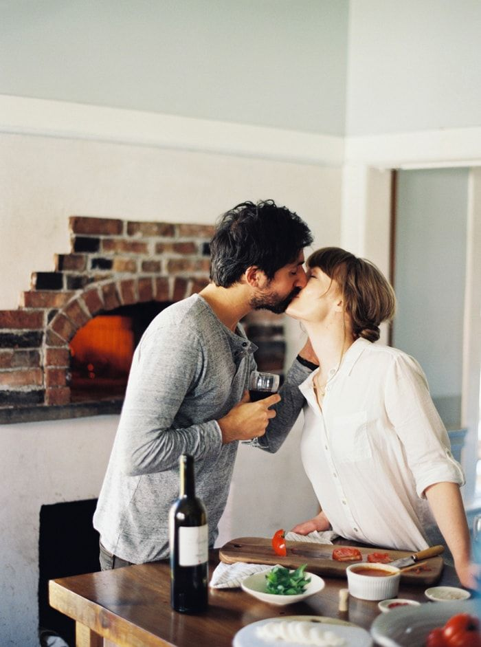 Couples who cook together stick together. Spending the night in for dinner with your loved one, some good eats, and some red wine... lovely. Oh, and you know what pairs well with red wine? Our coffee flavored natural gum. Just sayin.