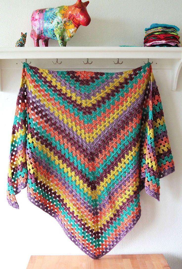 25+ best ideas about Easy Crochet Shawl on Pinterest ...