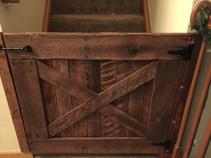 The Quot Baby Gate Quot My Husband Built From Pallet Wood To Keep
