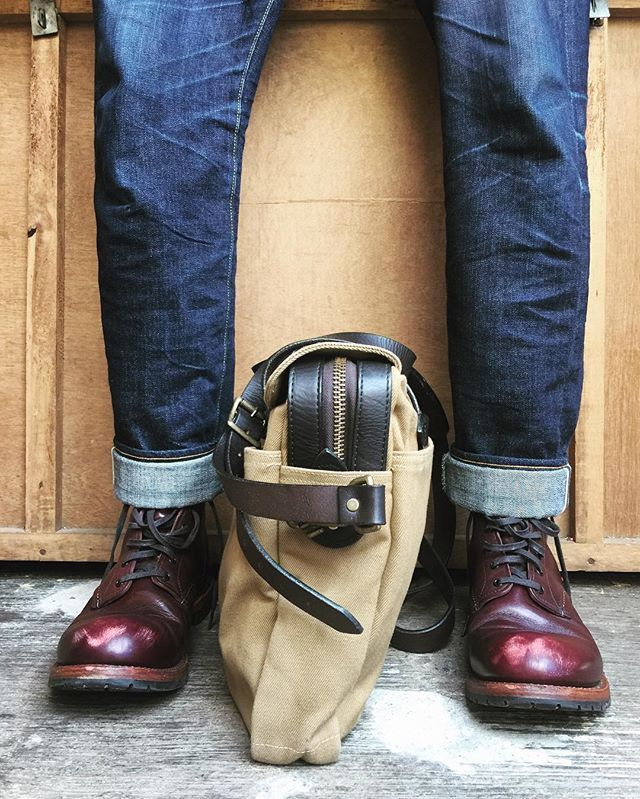 Real man  Boots : @redwingheritage #9011 Bags : @filson1897 #filson256 Jeans : @flathead1996 #5002 #selvedgejeans #madeinusa #madeinjapan #instaboots #instashoes #boots #beckman9011 #beckman #blackcherry #patina #redwingshoes #redwingheritage #redwingboots #redwingstyle #redwing #theflathead #rawdenim #theflatheadjeans #theflathead5002 #denimlovers #selvedge #denimporn #selvedgedenim #selvedgejeans #denimhead #filsonbriefcase