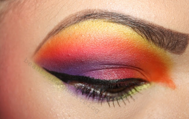 Orange and yellow 80s eyesYellow 80S, Makeup Ideas, 80S Style, 80S Parties, 80S Inspiration, 80S Eye
