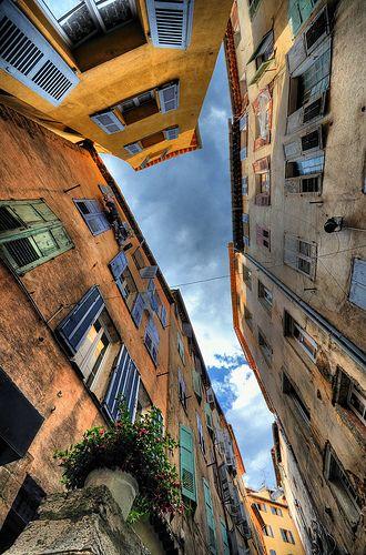 Côte d' Azur - Monaco - Street in Grasse