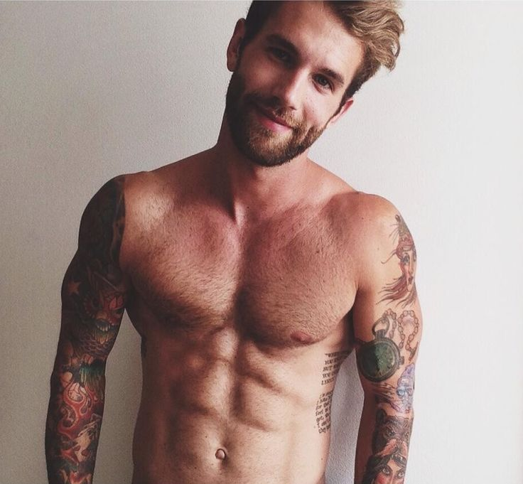 beard, tattoos, and muscle. Andre Hamann in all his sexiness.