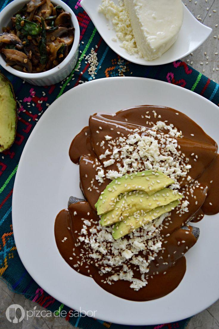 Enmoladas de champiñones con espinaca www.pizcadesabor.com