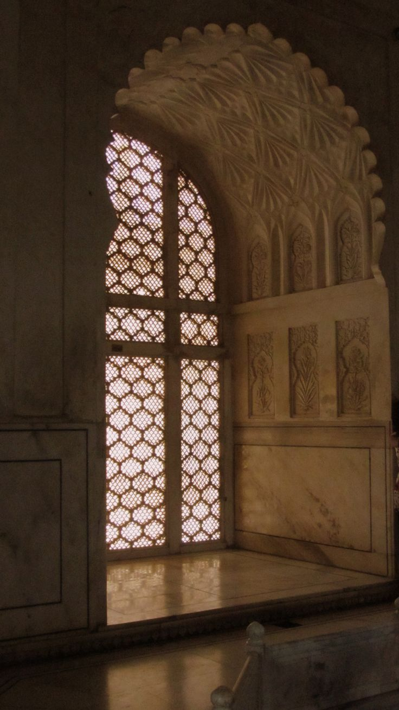 replicate masterpiece in plaster, Bibi-ka-maqbara, Maharashtra, India