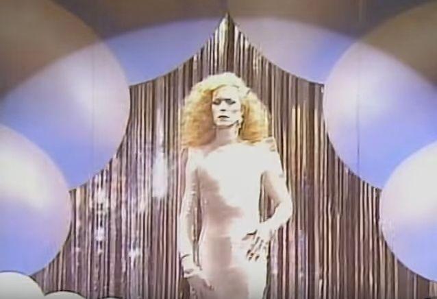 Costruzione e decostruzione del genere nel video Boys Keep Swinging di David Bowie, diretto da David Mallet nel 1979