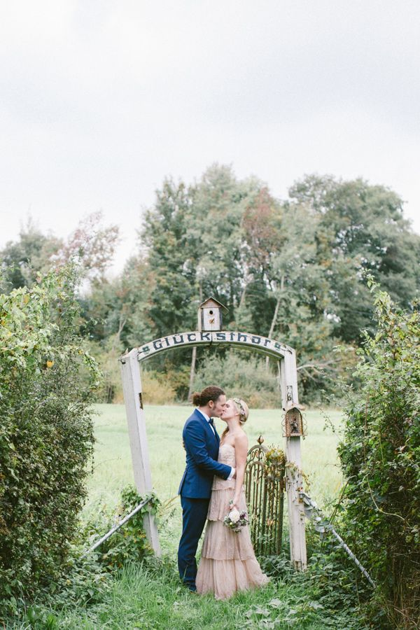 whimsical german wedding - photo by Lea Bremicker http://ruffledblog.com/whimsical-german-wedding/