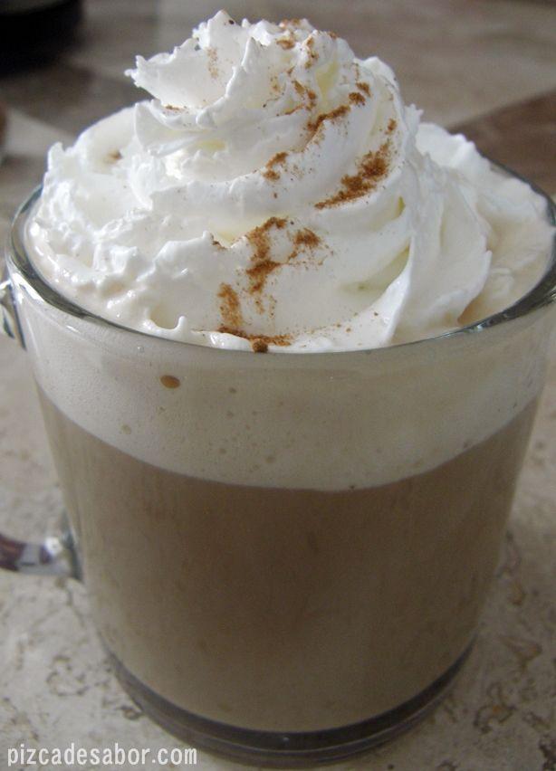 """LATTE DE CANELA CASERO ~ Delicioso latte de canela casero como el que encuentras en Starbucks como """"Cinnamon Dolce Latte"""". Disfruta de este rico café sin tener que salir de casa."""