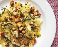 Lascas de Batata-Doce Salteadas com Tofu Crocante