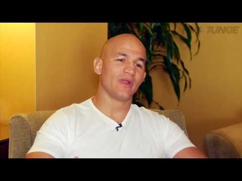 MMA Junior Dos Santos believes he is the man to dethrone current champion Stipe Miocic