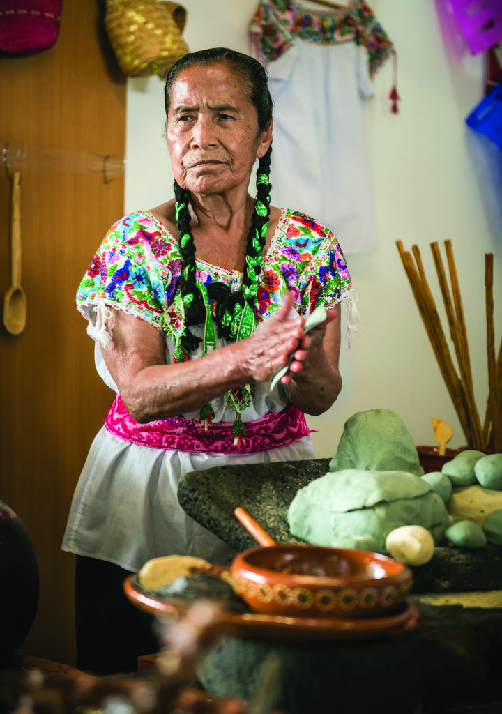 I Can't Cook For My Hispanic Husband - Useful Articles Mexican Heritage, Hispanic Heritage, Mexican Style, Mexican Market, Mexican Artwork, Latin Men, Mexico Culture, South Of The Border, Visit Mexico
