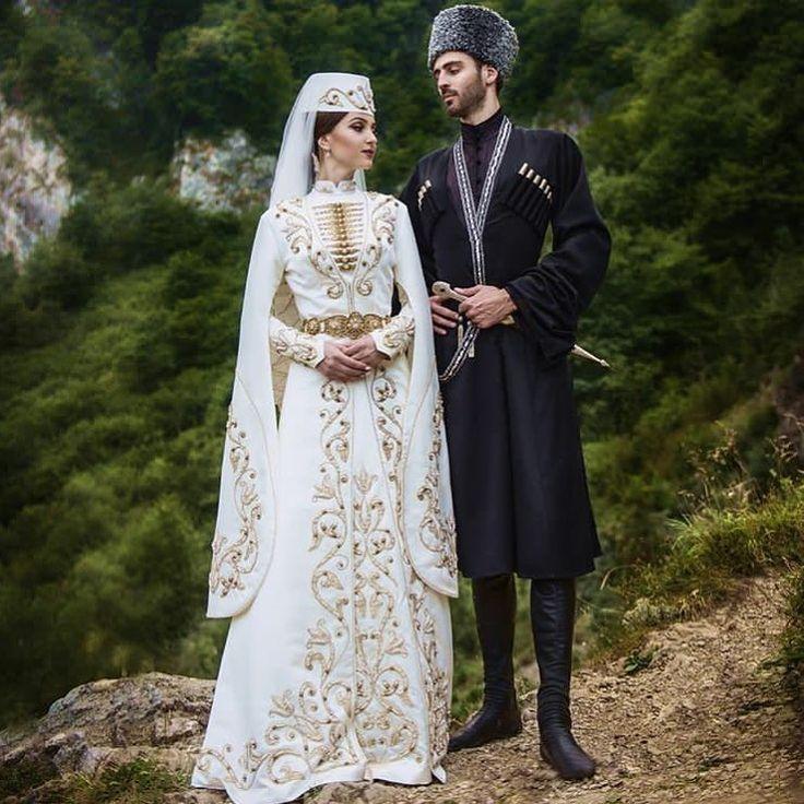 в осетинском платье фото на свадьбу подъёмник аренда