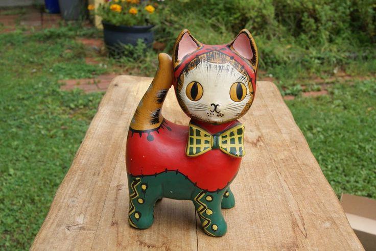 VINTAGE....CERAMIC.....COLORFUL CAT.....PIGGY BANK......JAPAN #LEGO