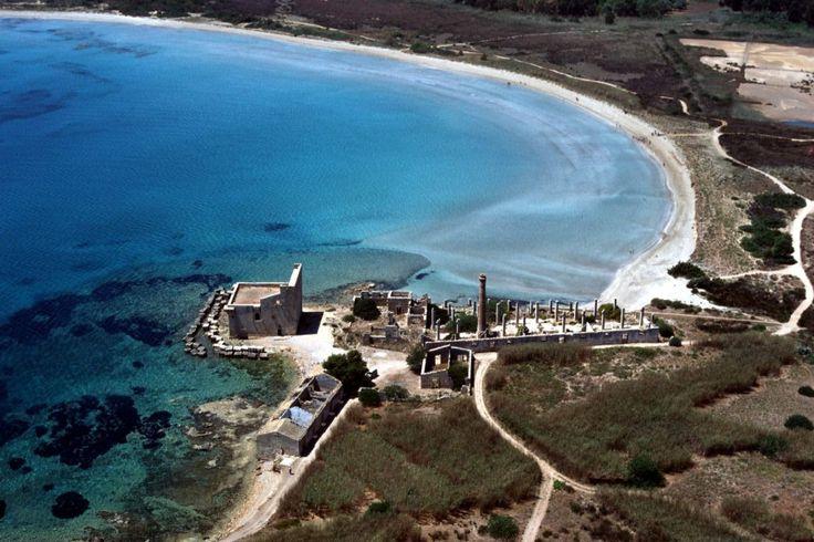 Oasi di Vendicari - Natural reserve with ruins of old tuna fishing nets