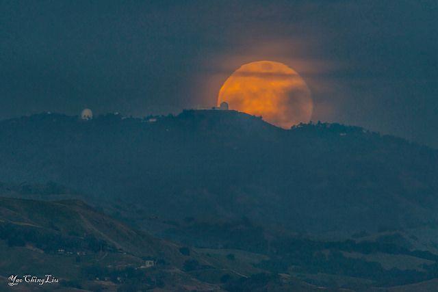 Full moon rise today | San Jose, CA | FollowingNature | Flickr