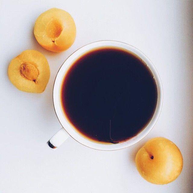 Кофе и персики – полезное и вкусное сочетание