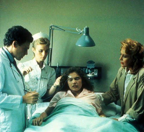 Mimi Craven was born on September 28,1957 in Indianapolis, Indiana as Millicent E. Meyer. She is an actress, known for A Nightmare on Elm Street (Nurse Donna) 1984.