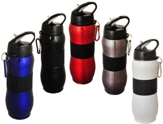 This stainless steel drink bottle is a single walled bottle perfect for the gym and sports days. Comes with a caribiner and it's black silicon band makes for an easy grip.