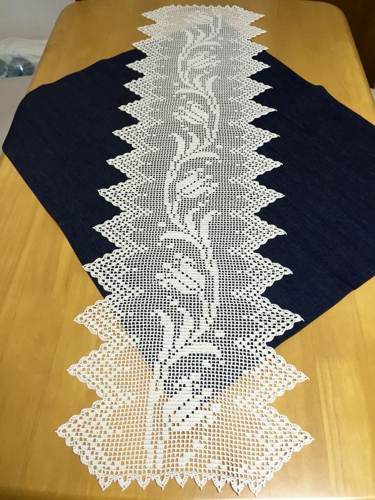 すずらんのテーブルランナー 日本ヴォーグ社。美しい方眼編みレースより。 遠藤ひろみさんデザイン。