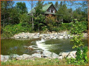 Vue sur la maison du parc municipal de #kinnearsmills #osgoodriver #outdoor