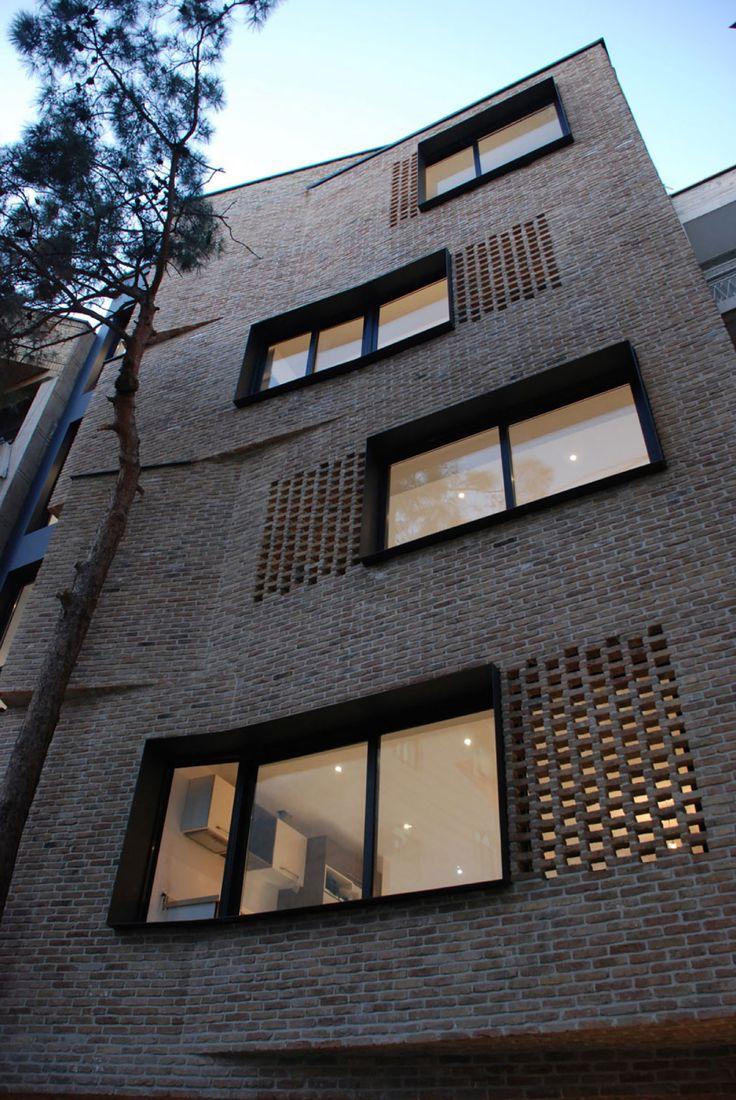Imagen 6 de 30 de la galería de Villa Apartamentos Residenciales / Arsh [4D] Studio. Fotografía de Ali Daghigh
