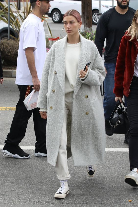 27 OF The Best Hailey Bieber Outfits (Hailey Baldwin Style) 6.jpg