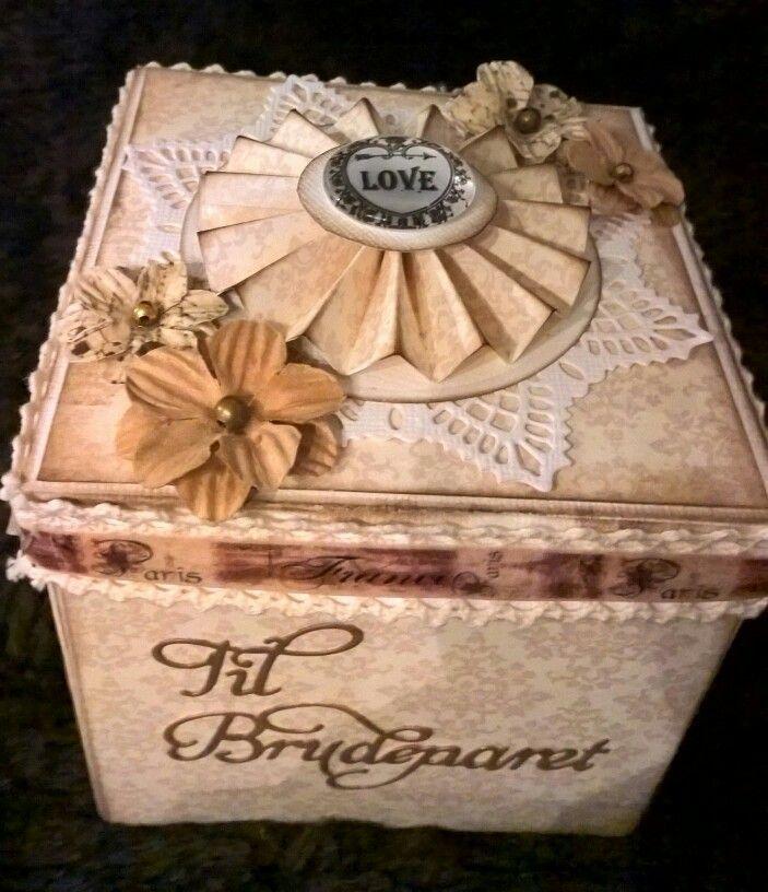 Weddingbox. With stamps from @kreativhobby. http://rortoka-katarina.blogspot.no/2015/11/bryllupsboks.html